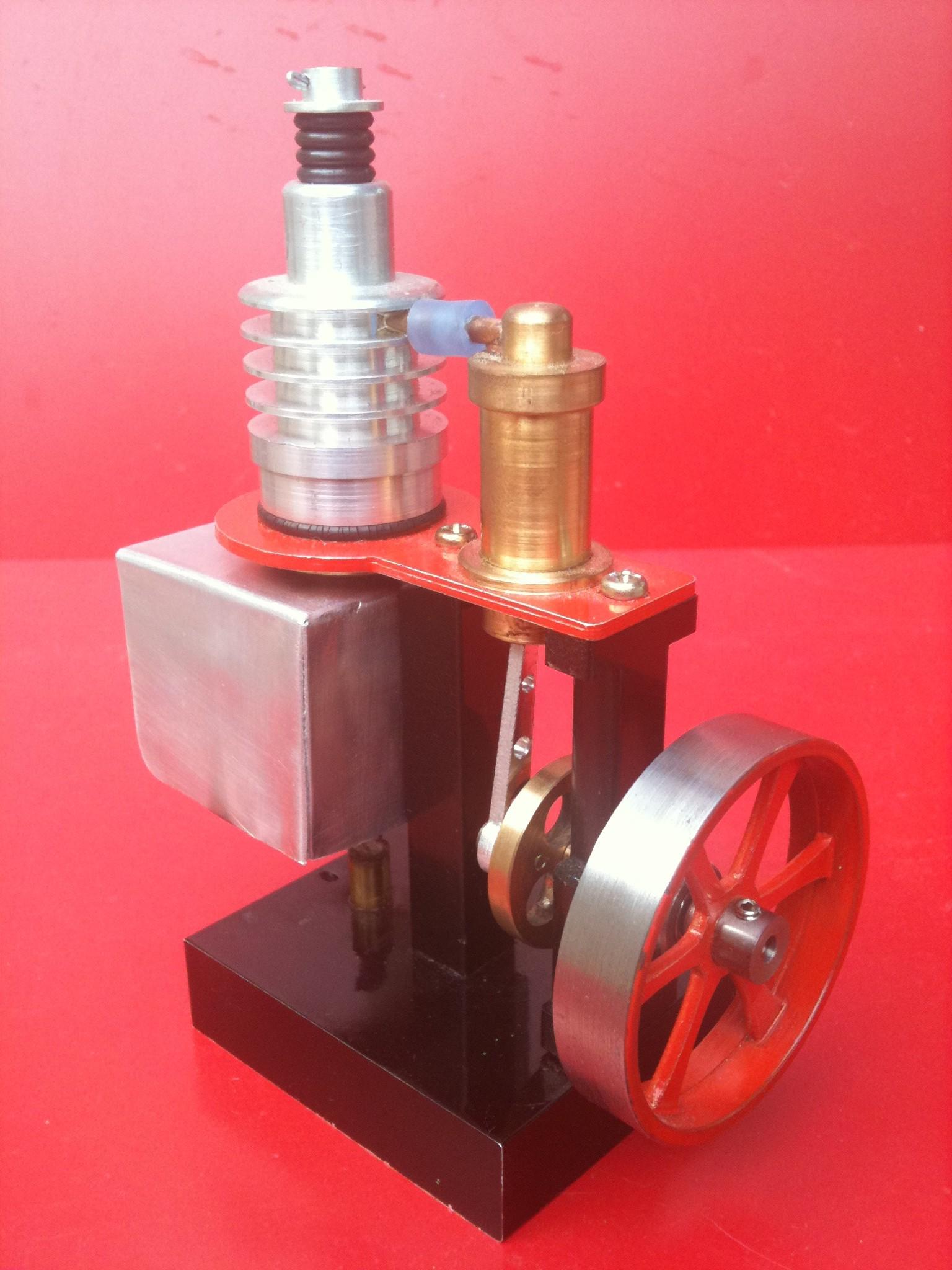 Motore Stirling Ribgbom