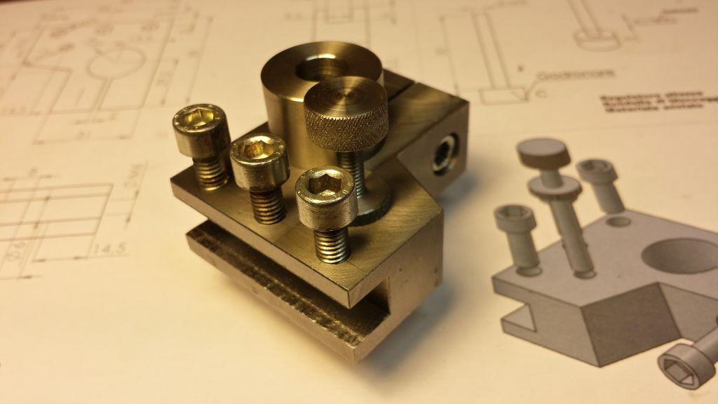 Costruiamo una torretta regolabile ebg micromeccanica for Costo per costruire sul proprio lotto